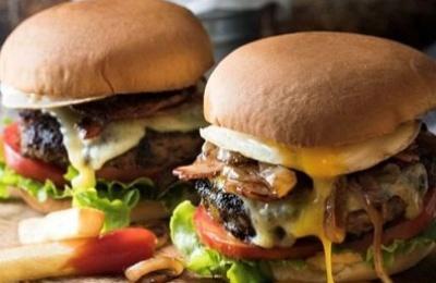 Εύκολα cheeseburgers