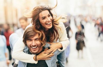4 συμβουλές που θα κρατήσουν ζωντανή τη σχέση σας