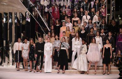 Η Pre-Fall 2020 συλλογή της Chanel είναι αυτόματα classic