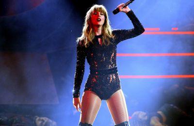 H Taylor Swift γιορτάζει την καριέρα της, στο Netflix