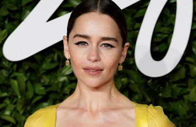 H Emilia Clarke είναι η 1η Global Ambassador της Clinique
