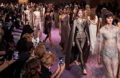 Ο οίκος Dior επιβεβαίωσε μια από τις μεγαλύτερες τάσεις για φέτος