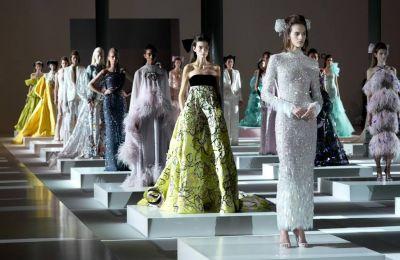 Διάχυτος ο ρομαντισμός στην haute couture συλλογή των Ralph & Russo