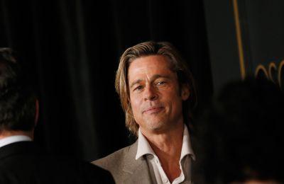 Ο Brad Pitt με... καρτελάκι στο Oscars Nominee Luncheon