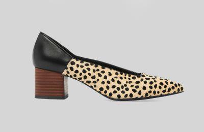 Court shoes με animal print €69 από Marks & Spencer