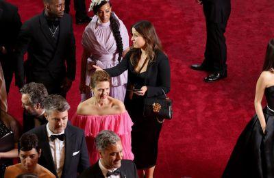 Οι μονότονες και οι απαστράπτουσες παρουσίες στο red carpet των Oscars