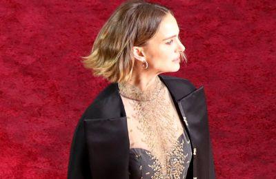 Γιατί το φόρεμα της Natalie Portman στα Όσκαρ θεωρήθηκε ''προσβλητικό'';