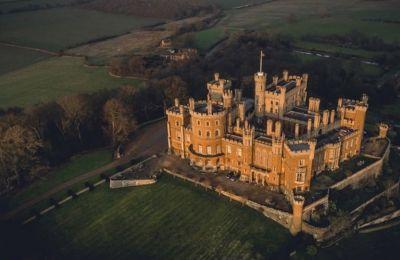 Θες να ζήσεις στο παλάτι του «The Crown»; To Airbnb σου δίνει την ευκαιρία