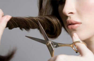 Πώς να κόψετε τα μαλλιά σας στο σπίτι