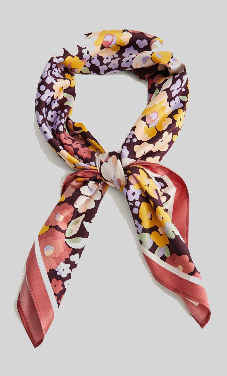 Printed scarf €7.99 από Mango