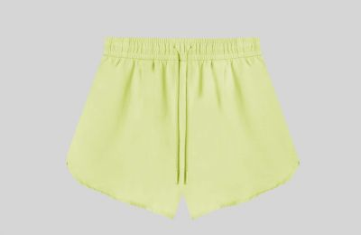 Neon shorts €9.99 από Stradivarius