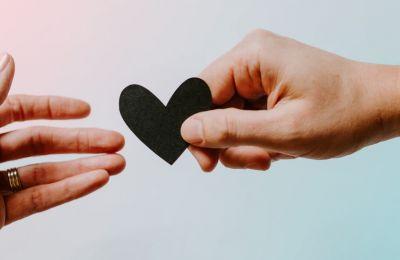 4 λόγοι για να μην επικοινωνήσετε με τον πρώην σας στην καραντίνα