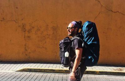 O Σπύρος, το ταξίδι και η πέτρα