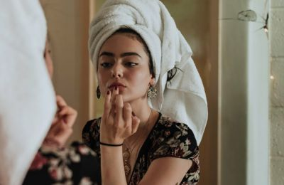 Πώς να διατηρήσετε το μακιγιάζ σας στη ζέστη