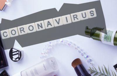 Πόσο καιρό ζει ο Covid-19 στα προϊόντα μακιγιάζ και πώς μπορείτε να τα καθαρίσετε