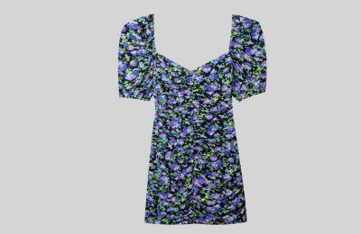 Κοντό floral φόρεμα €25.99 από Stradivarius
