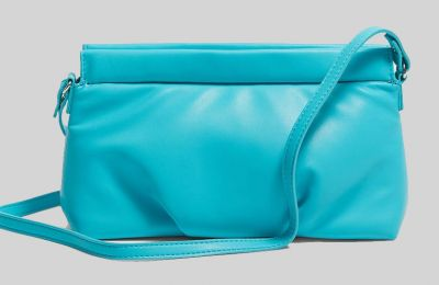 Τσάντα χιαστί clutch €12.59 από Stradivarius