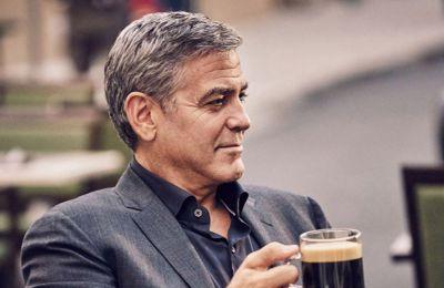 George Clooney και Sharon Stone: Τα εμβόλια για κορωνοϊό να είναι διαθέσιμα σε όλους