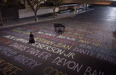 Το συγκλονιστικό βίντεο κλιπ της Alicia Keys για τα θύματα αστυνομικής βίας