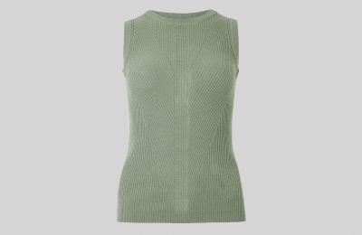 Textured αμάνικο πλεκτό €18 από Marks & Spencer