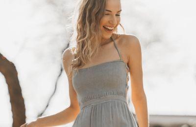 4 τρόποι για να αναβαθμίσετε το basic φόρεμά σας