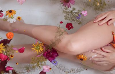 6 tips για να ξυρίζετε σωστά τα πόδια σας