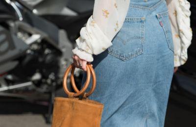 H τσάντα που λατρεύουν οι fashionistas το καλοκαίρι