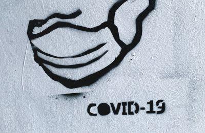 COVID-19: Θλιβερά ρεκόρ παγκοσμίως και επαναφορά μέτρων