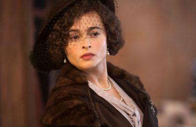 H Helena Bonham Carter για τη συνέχεια του ''The Crown''