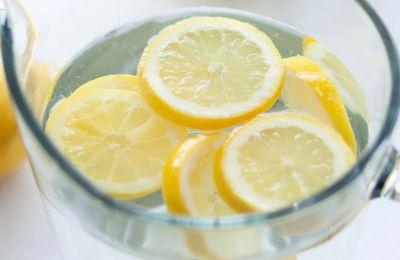 6 τρόποι για να μετατρέψετε το νερό σας στο πιο tasty ποτό