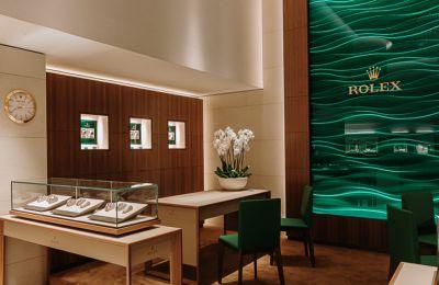 Η Α. Stephanides & Son Luxury Goods Ltd ανοίγει το ανακαινισμένο κατάστημά της στη Λεμεσό.