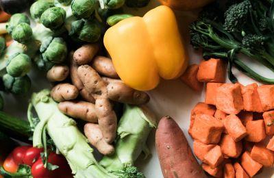 5 αντικαρκινικά τρόφιμα που χαρίζουν λαμπερή επιδερμίδα