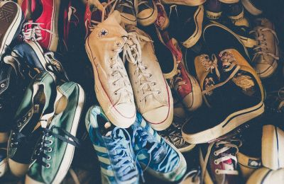4 shoe trends από τα '90s για αυτό το φθινόπωρο