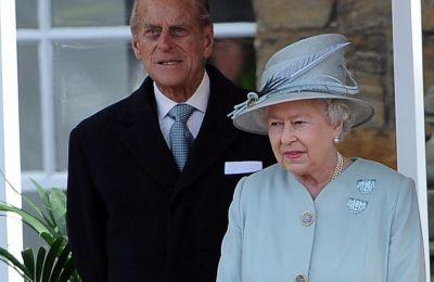 Κι όμως, η βασίλισσα Ελισάβετ έχασε 35 εκαταμμύρια λίρες λόγω του κορωνοϊού