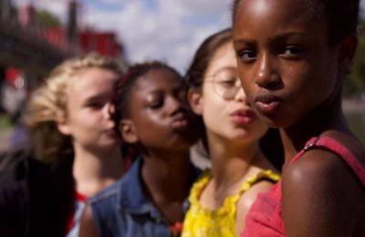 ''Cuties'': Η ταινία που σήκωσε θύελλα αντιδράσεων