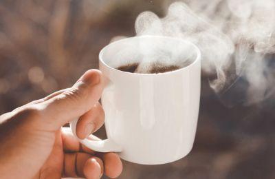 Ο καφές πριν τις 9:30 το πρωί κάνει κακό στην υγεία