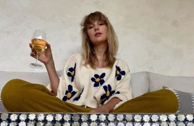 H Taylor Swift έκλεψε τον θρόνο της Whitney Houston