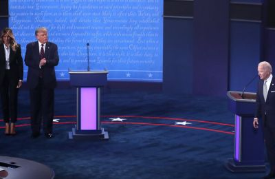 Melania Trump-Jill Biden: Τι φόρεσαν οι δύο σύζυγοι των υποψηφίων στο πρώτο debate