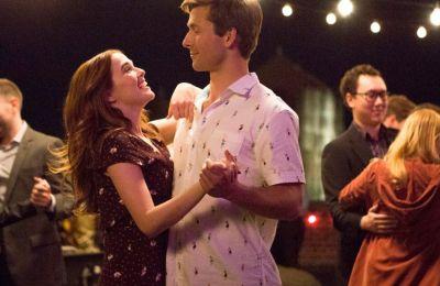 Review: Χαριτωμένο rom-com για ένα χαλαρό movie night