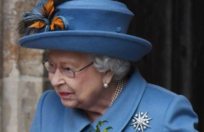 Θέλεις να δουλέψεις στο παλάτι; Η Βασίλισσα προσλαμβάνει