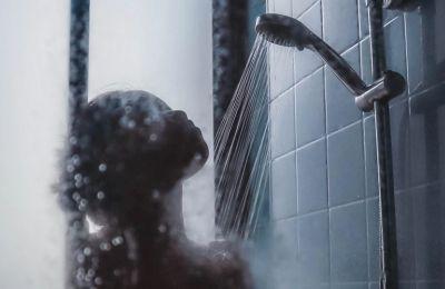 Αυτή είναι η ιδανική ώρα για να κάνετε μπάνιο όταν δουλεύετε από το σπίτι
