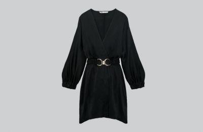 Μαύρο σατέν φόρεμα με ζώνη €39.95 από Zara