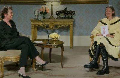 Η... βασίλισσα και η Diana σε μια συζήτηση για το ''The Crown''