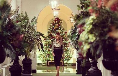 Η Melania Trump μάς αποκάλυψε την υπέρλαμπρη χριστουγεννιάτικη διακόσμηση που έκανε
