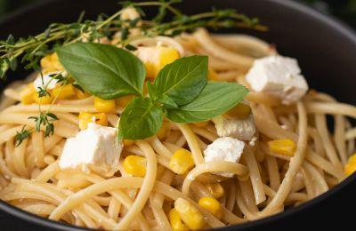 H Αθηνά Λοϊζίδου προτείνει μακαρονάδα μιας κατσαρόλας με βασιλικό, λεμόνι, καλαμπόκι και τυριά
