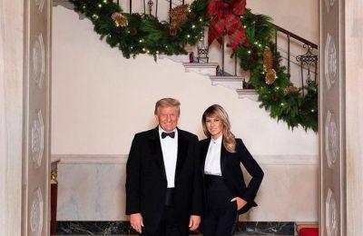 Το επίσημο χριστουγεννιάτικο πορτραίτο των Trump για το 2020 / Photo by Instagram @realdonaldtrump