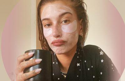 Το μυστικό της Hailey Bieber για το πιο λαμπερό φυσικό μακιγιάζ