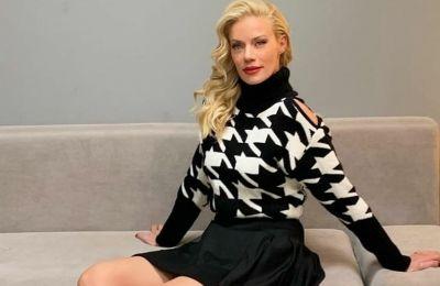 Η Ζέτα Μακρυπούλια μας δείχνει πώς να κάνουμε το κοστούμι ένα πιο casual look