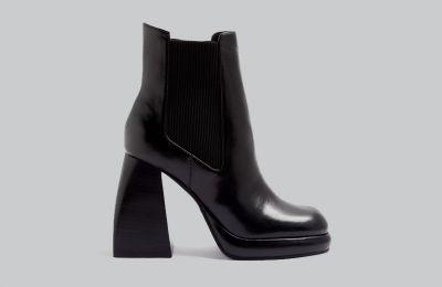 Μαύρα μποτάκια με πλατφόρμα €60 από Topshop