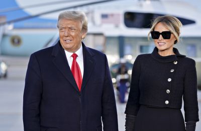 Ο Donald Trump εγκατέλειψε τον Λευκό Οίκο